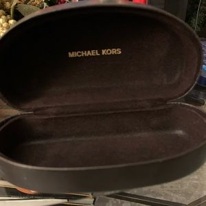 MICHAEL KORS Sunglass Case
